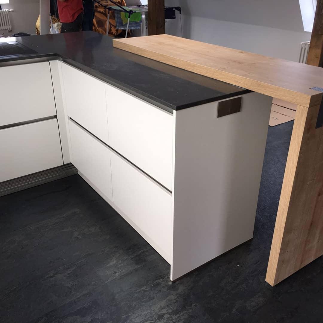 offene Küche mit Holztheke bora basic Küchen Raab Stuttgart Referenzen 6