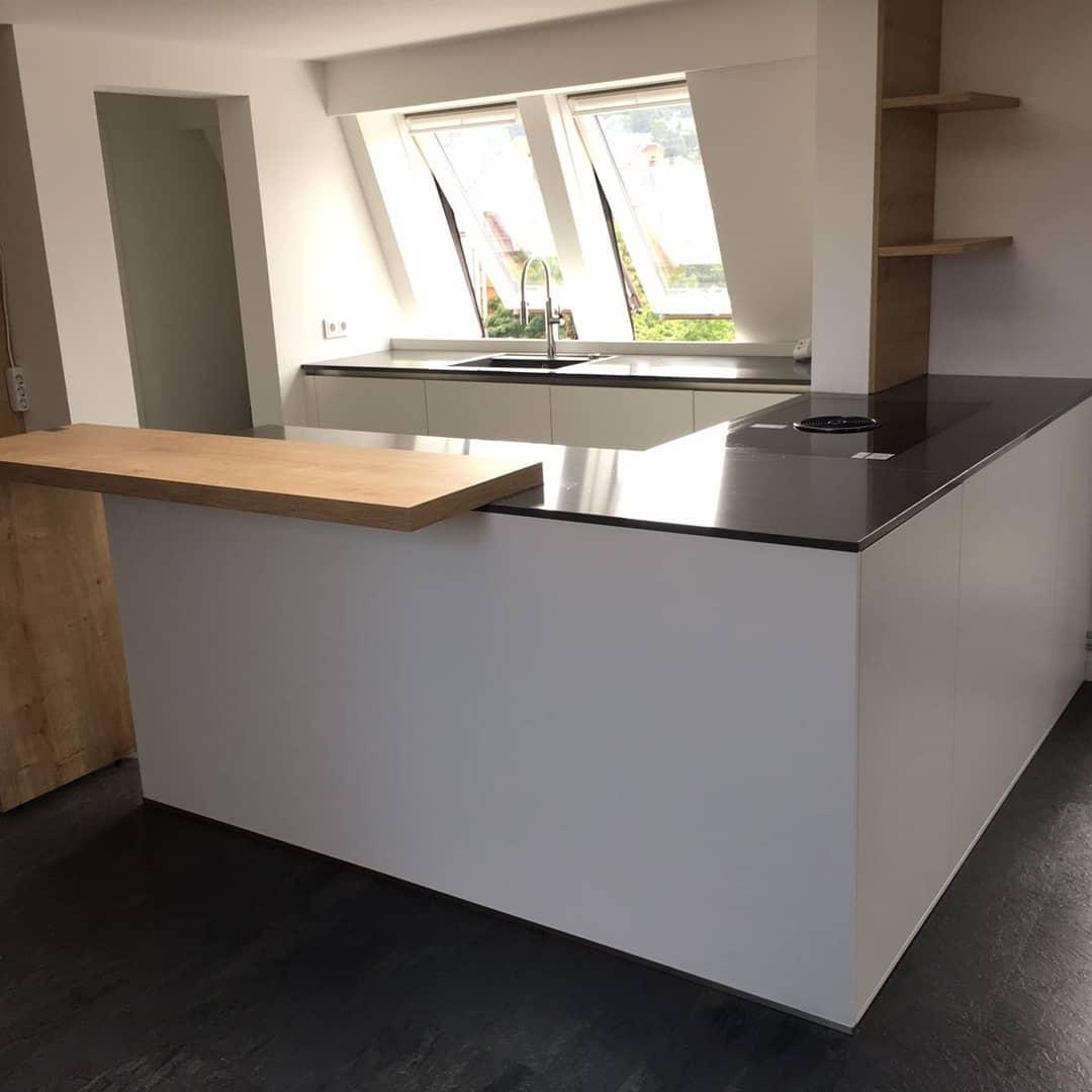 offene Küche mit Holztheke bora basic Küchen Raab Stuttgart Referenzen 7